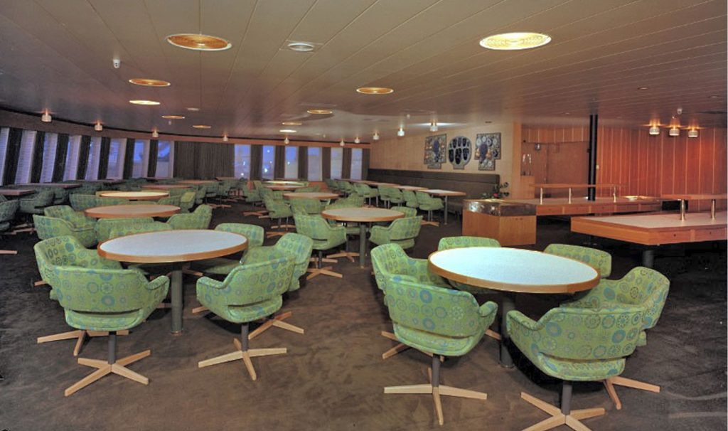 Allstars-Creating-luxury-article-Finnhansa-dining-tables